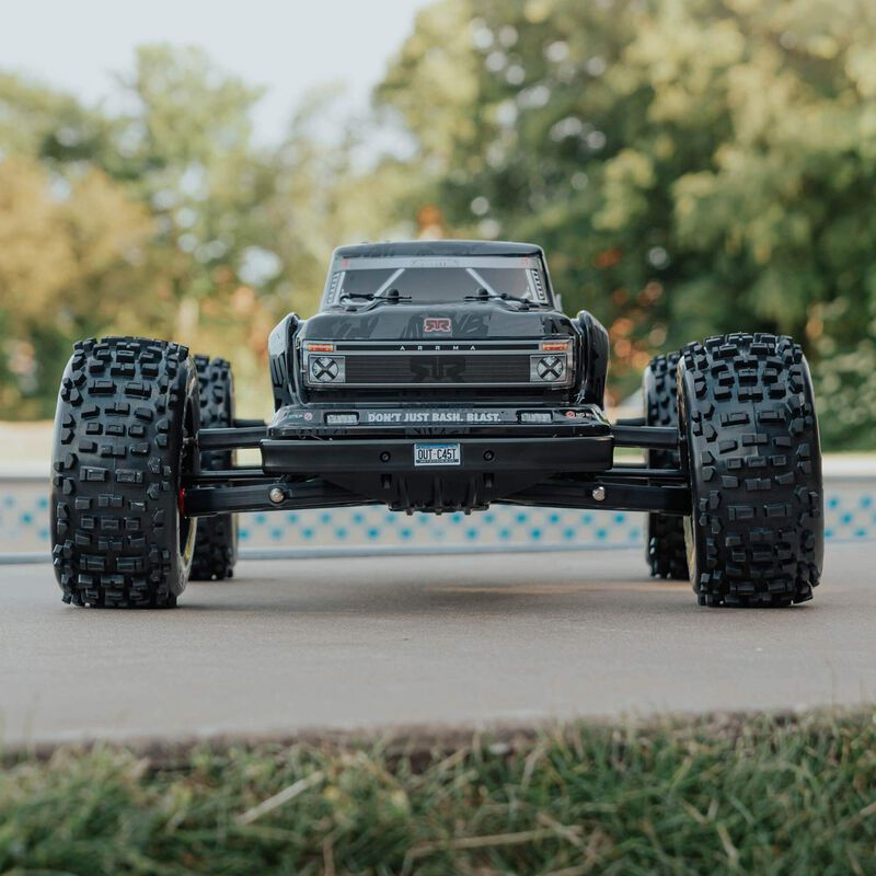 1/8 OUTCAST 6S BLX 4WD EXtreme Bash Stunt Truck RTR, Black
