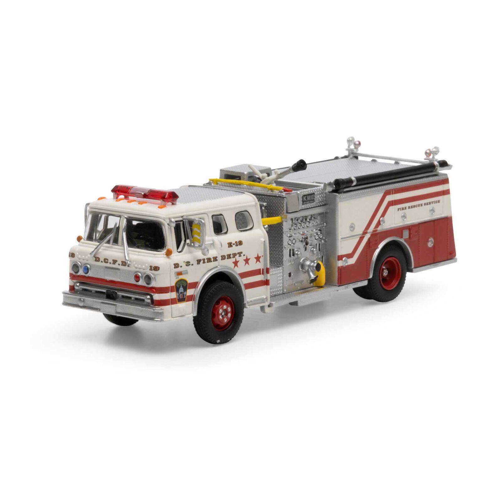 HO RTR Ford C Fire Truck, Washington DC #E-19
