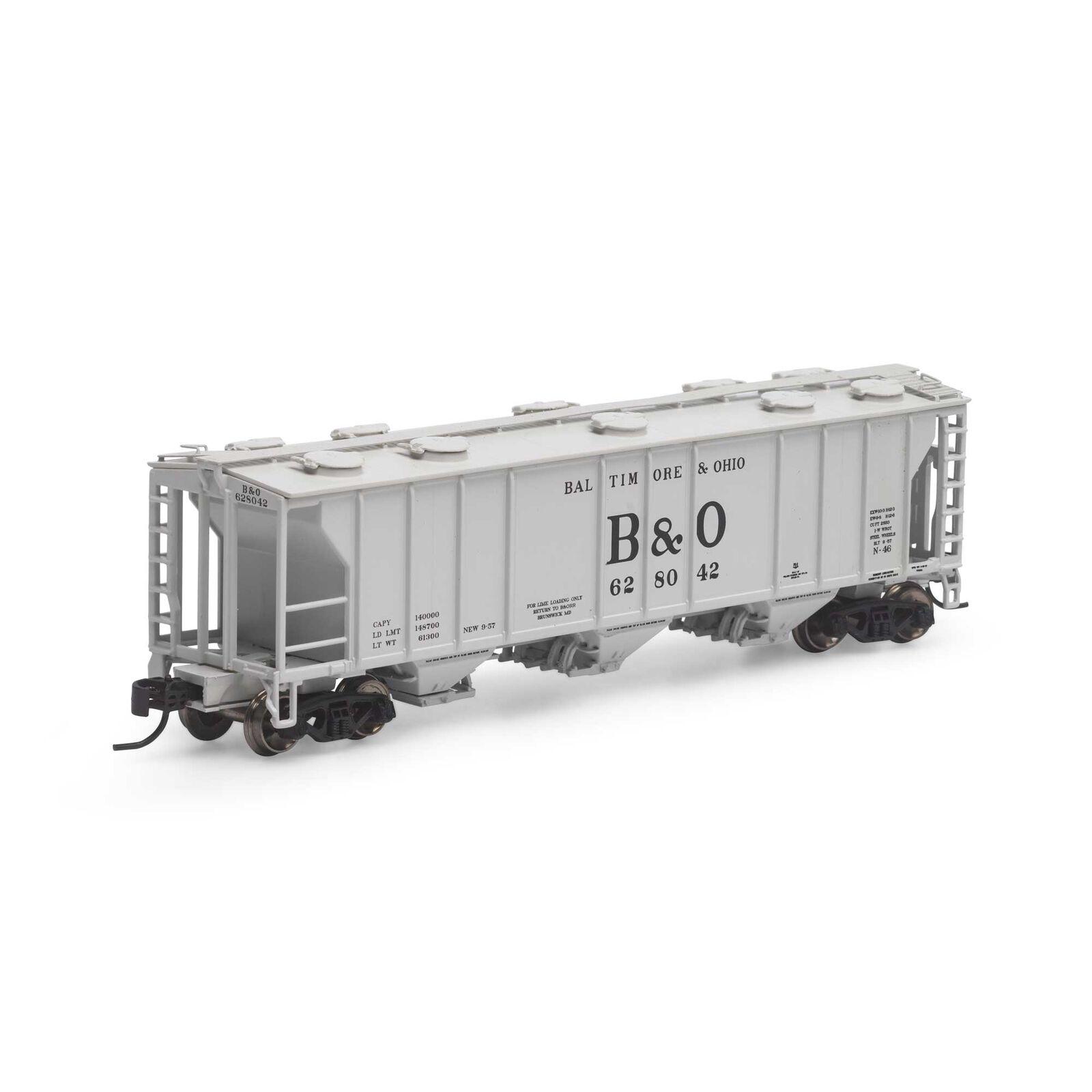 N PS-2 2893 3-Bay Covered Hopper, B&O #628042