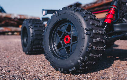 STUNT TRUCK WHEELS & DBOOTS BACKFLIP TIRES