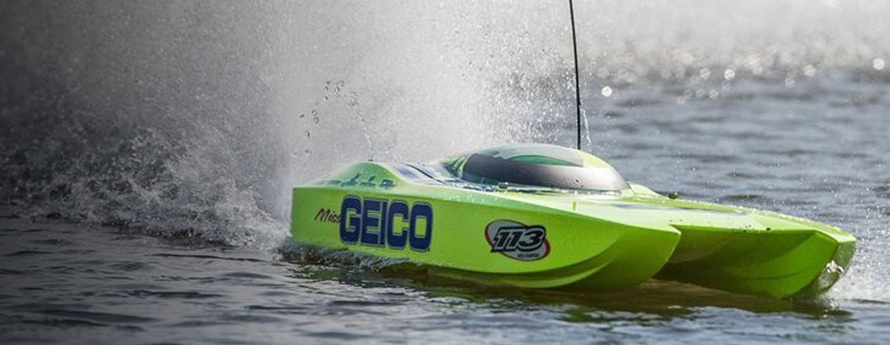 Electric Boats Action Shot